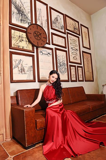 帝卡洛婚纱展示红裙07