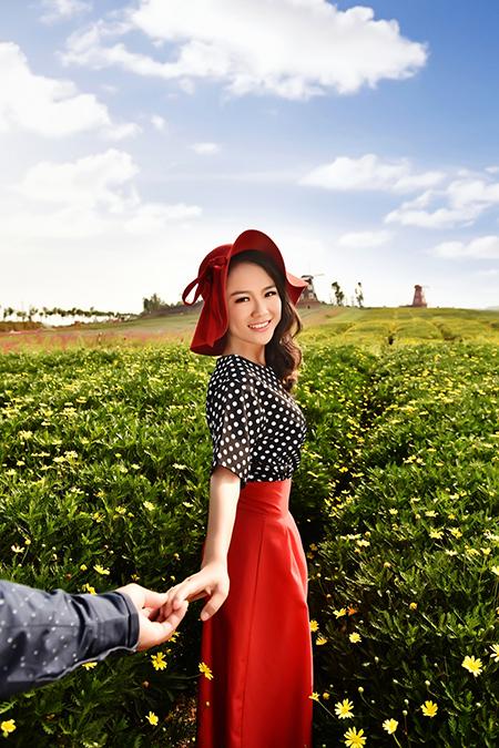 帝卡洛婚纱展示红裙09